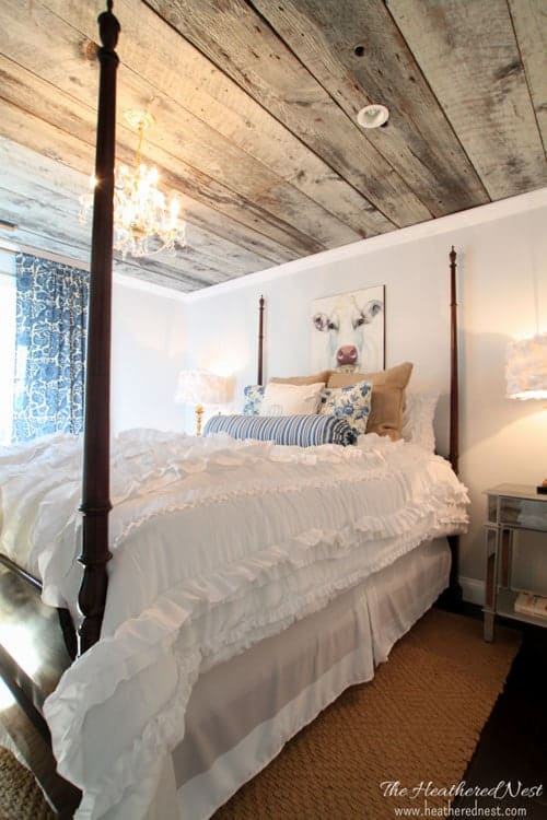 GORGEOUS country style guest bedroom/farmhouse style/DIY bedroom from www.heatherednest.com