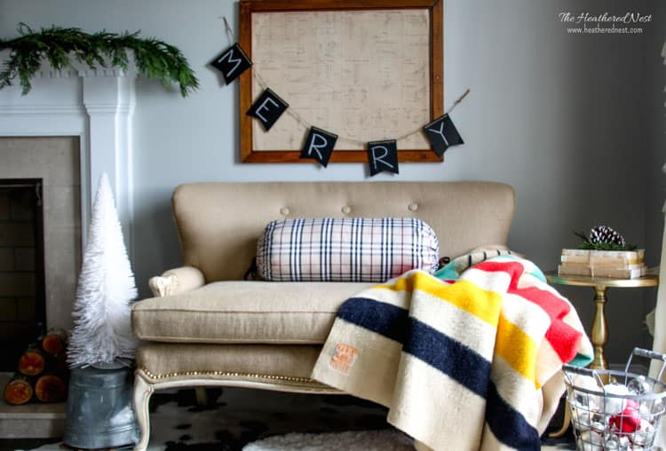 DIY upholstery project from www.heatherednest.com using BURLAP! Such a rugged, inexpensive, neutral fabric!!