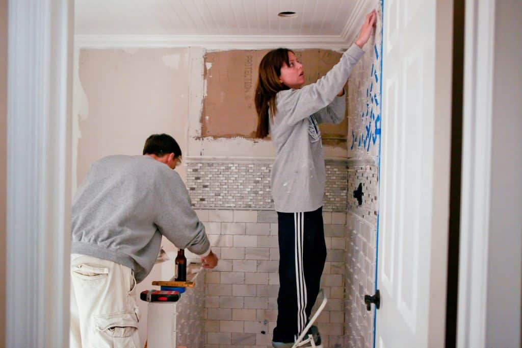Our secret to surviving DIY projects as a couple! Here are 8 ways to make sure your marriage survives many DIY projects to come!