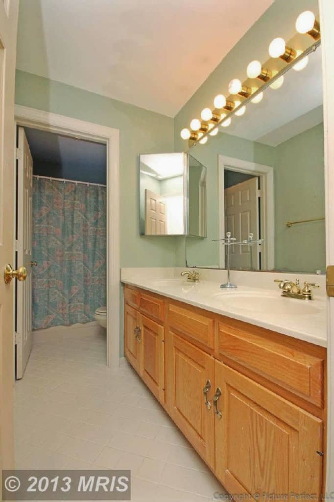 DIY kids bathroom renovation on a dime. Vintage-inspired kids bath for less than 2k! www.heatherednest.com