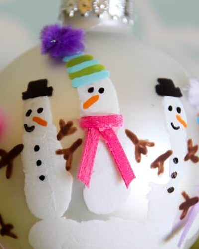 DIY Handprint Christmas Ornament Ideas! So easy, so precious!! heatherednest.com