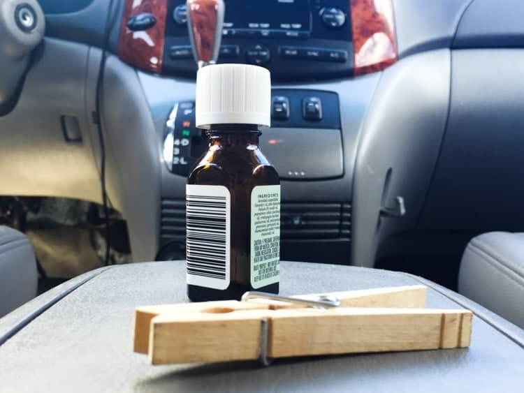 DIY car air freshener all natural from www.heatherednest.com