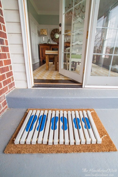 We'll show you how to make this FANTASTIC, sturdy DIY doormat from the Home Depot's DIY Workshop and www.heatherednest.com