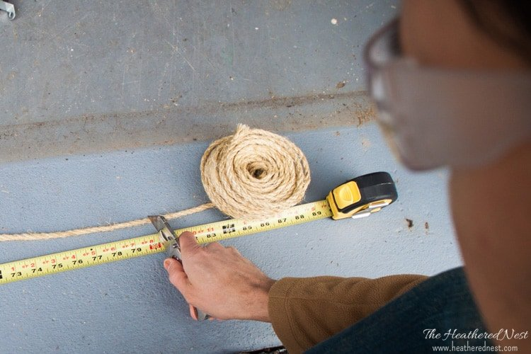 We'll show you how to make this FANTASTIC, sturdy wooden DIY doormat from the Home Depot's DIY Workshop and www.heatherednest.com