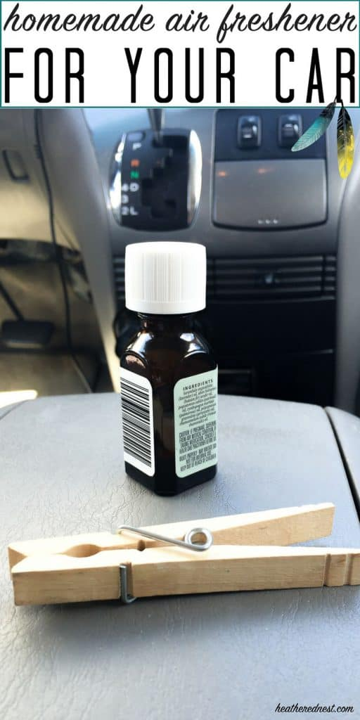 Popular, SUPER QUICK, and all natural DIY car air freshener! What an inexpensive hack! I LOVE THIS!! #DIYairfreshener #carairfreshener #naturalairfreshener #naturalairfreshenerforcar #essentialoilcarfreshener