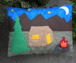 decorative throw pillow / kids pillows ideas for kids rooms www.heatherednest.com