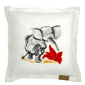 decorative throw pillow ideas for kids rooms www.heatherednest.com