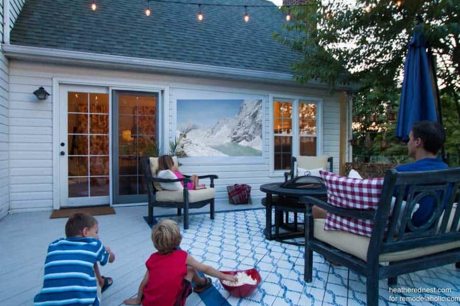 A $15 DIY Outdoor Movie Screen