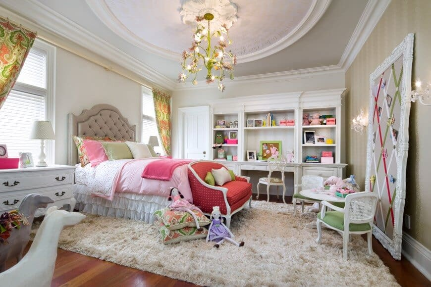 Love this pink bedroom plan inspiration!