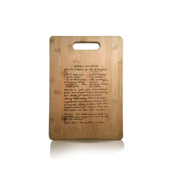 Etsy Holiday Gift Guide from www.heatherednest.com! This cutting board was inscribed with an old family recipe from an index card - including the handwriting!