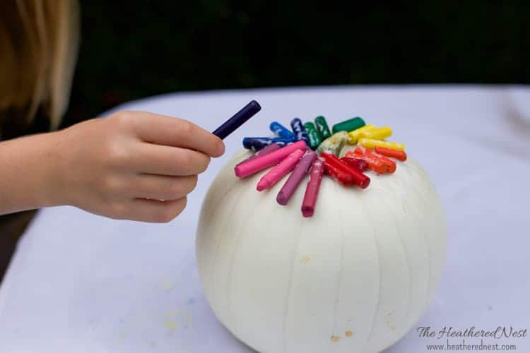 easy-diy-melted-crayon-pumpkin-craft-tutorial-heatherednest-com-3