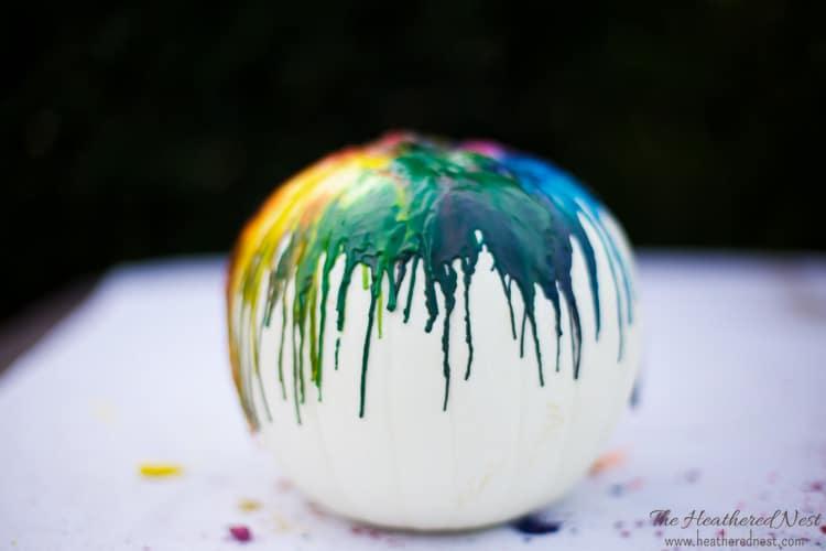 easy-diy-melted-crayon-pumpkin-craft-tutorial-heatherednest-com-5