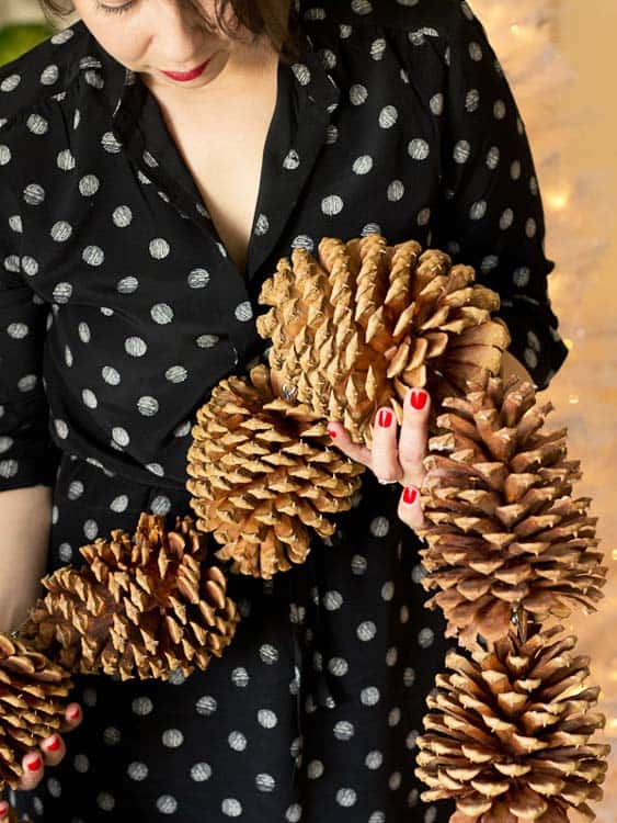 lovely-indeed-giant-pinecone-garland-2