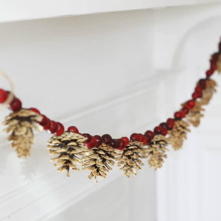cleanandscentsible-com-bleached-pinecone-garland-2