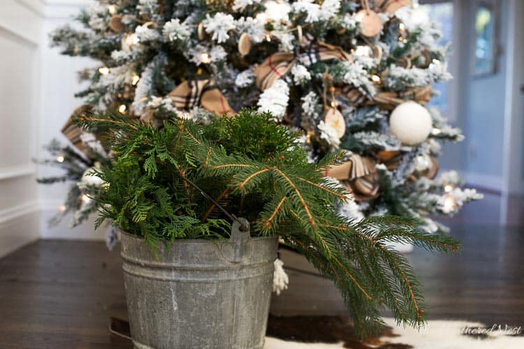 Spruce up that artificial tree with this FREE and easy hack! from heatherednest.com