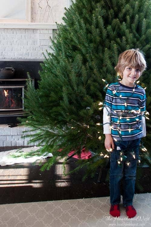 easy-diy-christmas-mantel-and-holiday-decor-heatherednest-com-2