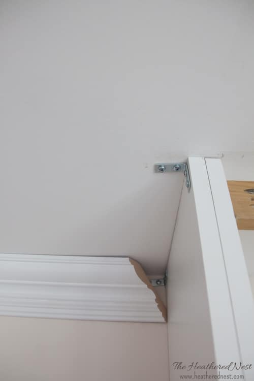 DIY crown molding project from heatherednest.com