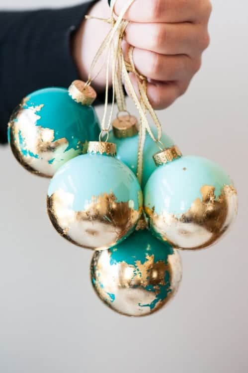 These gold leaf ornaments are so luxurious and modern! heatherednest.com