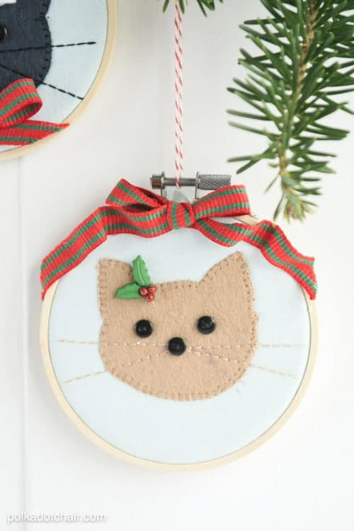 My cat would love if I made an ornament for her just like this. I love the personal touch!