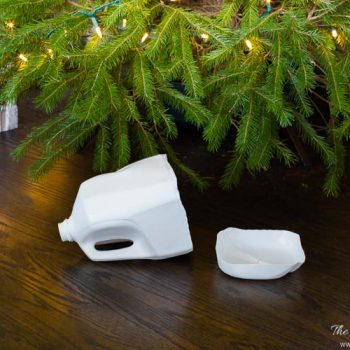 how-to-water-a-christmas-tree-an-easy-diy-tool-heatherednest-com-5