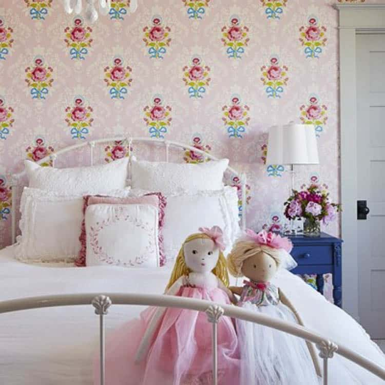 I love the antique feel of this girls room idea! It's absolutely perfect how the bed matches the wallpaper and the old farmhouse feel of the whole space!