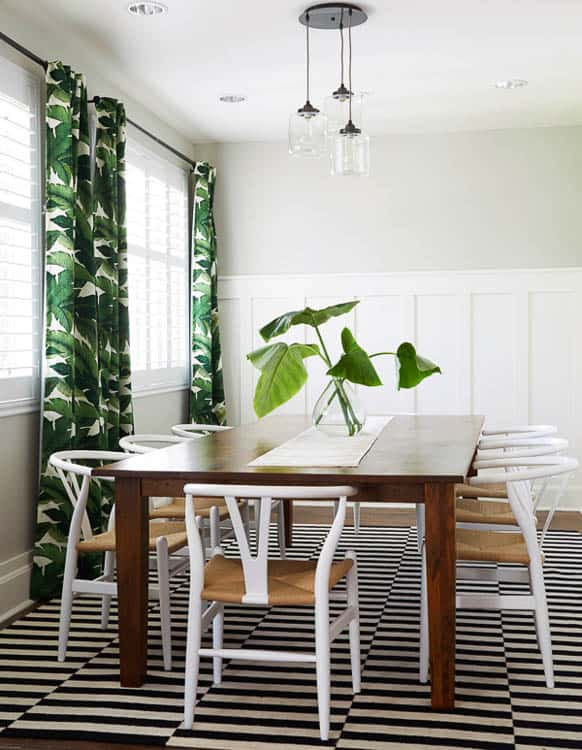 Apparently this green banana leaf pattern is totally a thing. Love this tropical look!