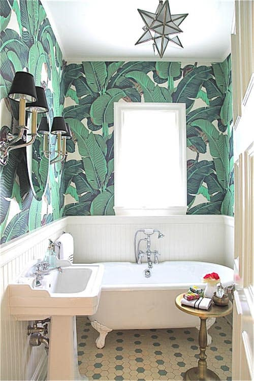 I'm not sure I would want all green wallpaper, but this is kind of amazing!