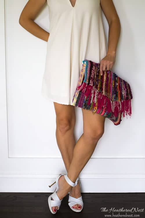 make a great summer clutch from this inexpensive rag rug! full tutorial and FREE PATTERN at heatherednest.com