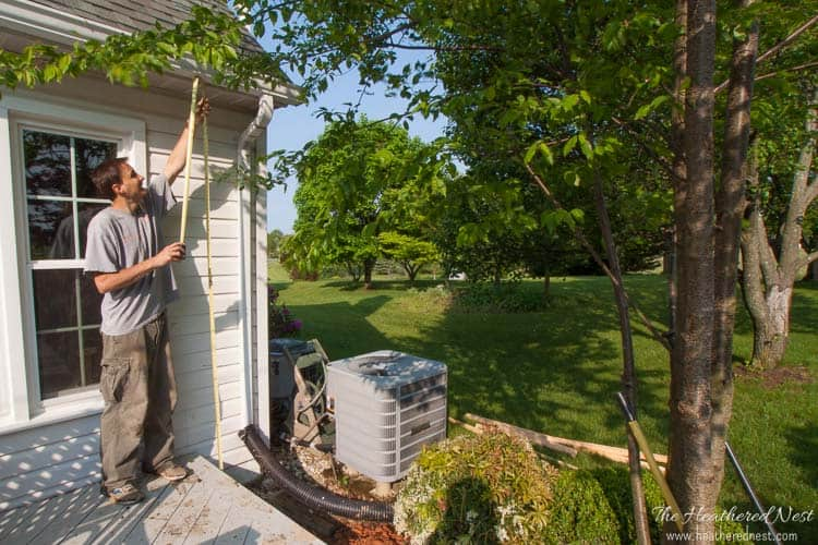 how to make a DIY vertical garden | vertical garden kit from heatherednest.com