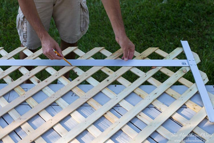 EXACTLY what I was looking for! An EASY lattice AC screen! Put together with zip ties!!
