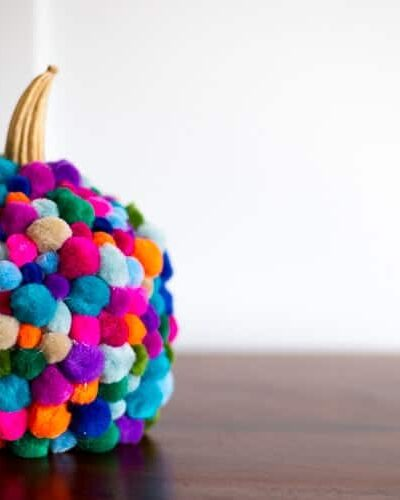 DIY-pumpkin-pom-pom-craft-heatherednest.com