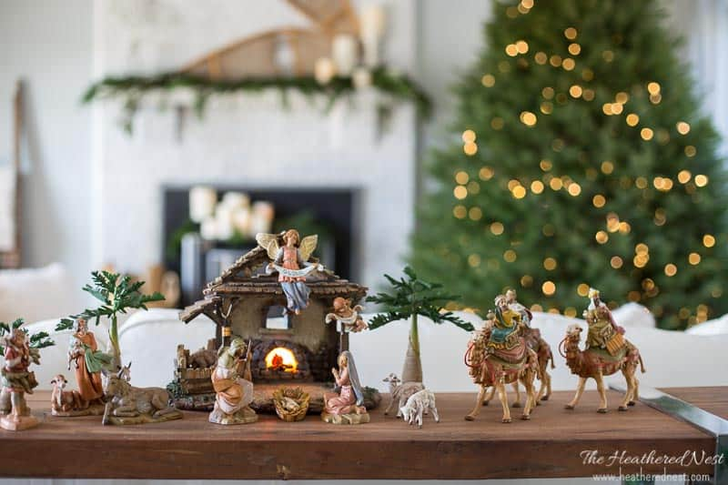 simple and classic christmas home decor ideaslovely holiday home tour - Simple Christmas Home Decorating Ideas