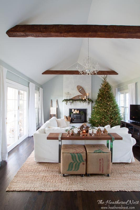 simple and classic christmas home decor ideas...lovely holiday home tour!! #DIYchristmashomedecorideas #simplechristmashomedecor #elegantchristmashomedecor #christmashomedecoronabudget