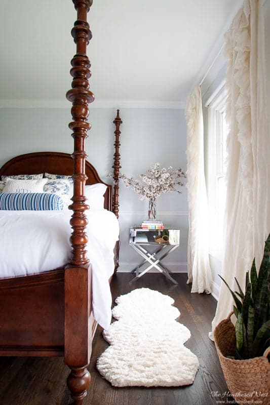 beautiful bedrooms home tour. blue and white bedroom.