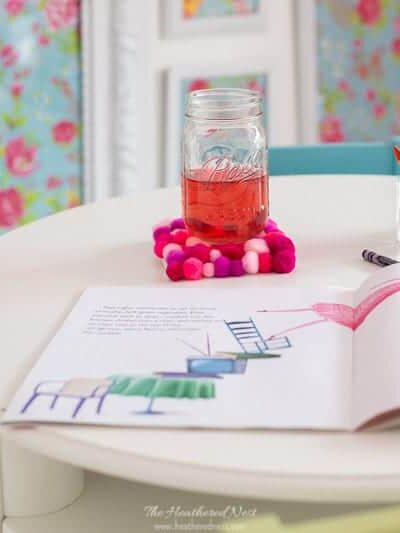 SO CUTE! 5-minute DIY coasters with Pom Poms! A quick upcycle #craft #DIYcoasters #pompomscraft #coasters #easycraftideas #DIYpompomcoasters #feltballcoasters #crafts