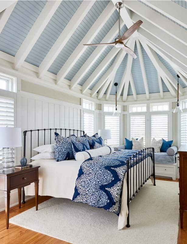 Example of a ceiling fan done right! Highlighting 14 ceiling fans that don't suck!, and tips for incorporating ceiling fans in home design #ceilingfanideas #stylishceilingfans
