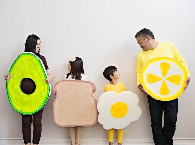 last minute halloween costume idea - family dressed as avocado toast