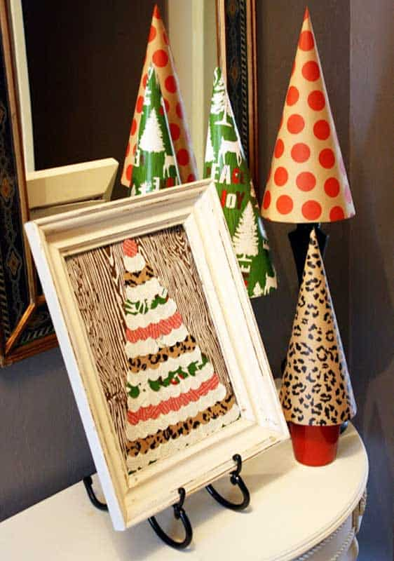 easy Christmas crafts: framed wrapping paper craft