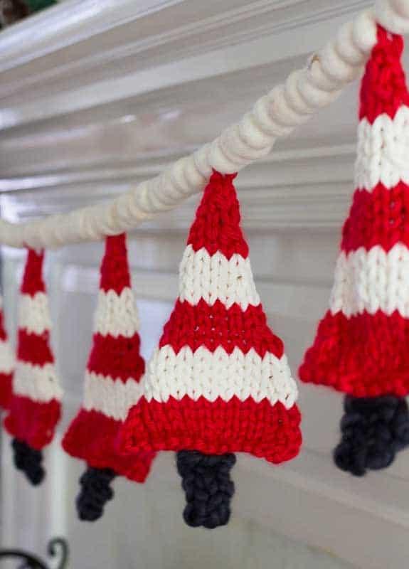 easy knit christmas tree garland