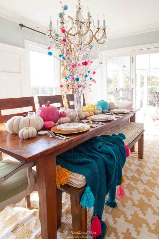 5 easy and colorful Thanksgiving Table Ideas!! Want a little non-traditional plan for the Thanksgiving table this year? Try these easy ideas!! #ThanksgivingTableIdeas #ColorfulThanksgivingIdeas #tablescape #ThanksgivingTable #ColorfulThanksgivingTable #nontraditionalthanksgiving #thanksgivingtablesettings