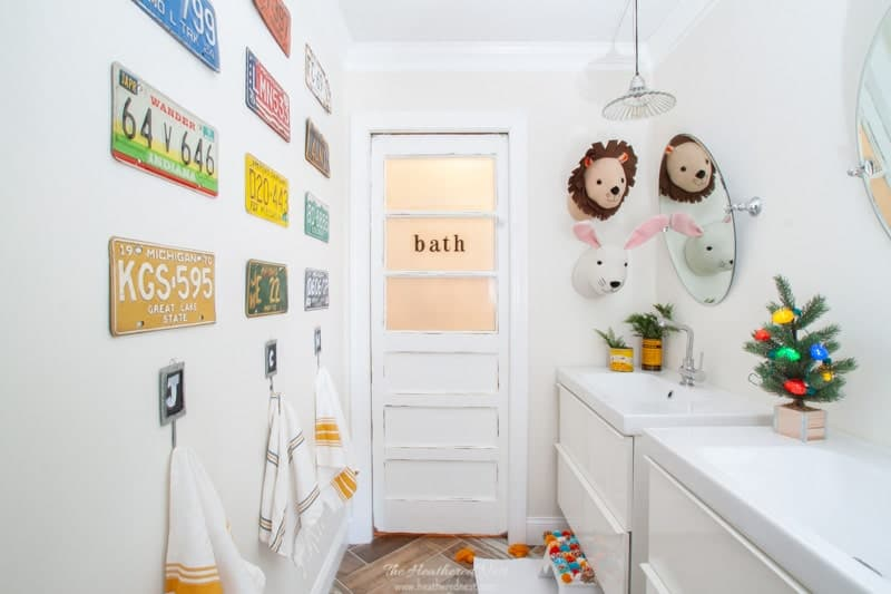 A few Christmas decorations seen in the kids' bathroom. Check out the full DIY bathroom renovation project done for $1800
