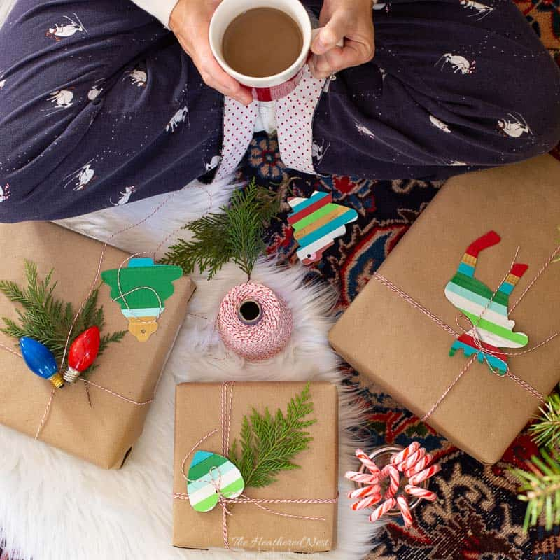 An easy Duck Tape Christmas Gift Tag Craft! These DIY Christmas gift tags are fun and easy to make! #ducktape #gifttags #christmastags #christmasgifttagideas #easygifttagideas #easychristmasgifttagideas #christmas #ducttapecraft #ducktapecraft