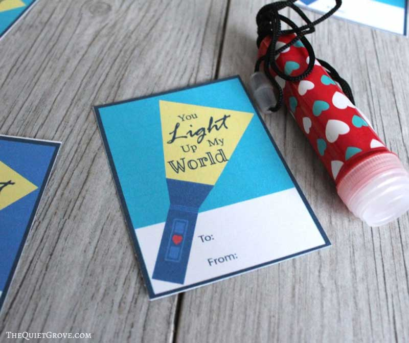 """valentines day card ideas: mini flashlights with accompanying printable card """"you light up my world"""""""