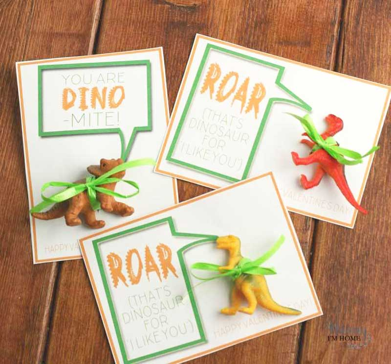 """valentines day card ideas: dinosaur toys attached to printable card """"roar: that's dinosaur for I like you"""""""