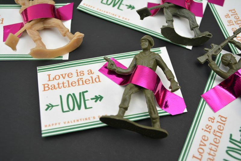 """valentines day card ideas: toy soldiers taped to card """"love is a battlefield"""""""