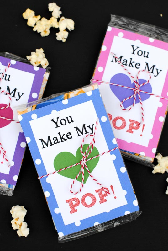 """valentines day card ideas: microwave popcorn bag with printable card """"you make my heart pop"""""""