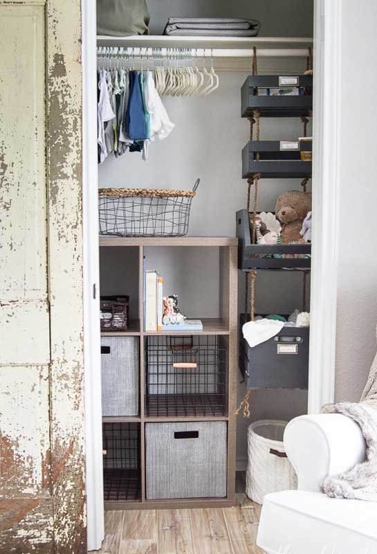 Closet Storage Ideas: Function doesn't have to mean sacrificing form! Beautiful nursery closet design ideas with various bins and hanging storage crate system