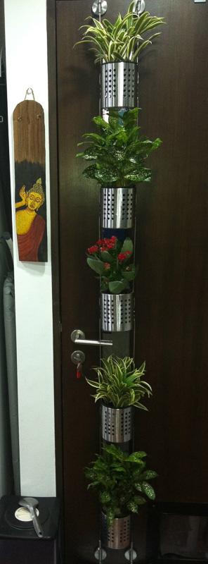 Ordning vertical planter hack seen on an interior door