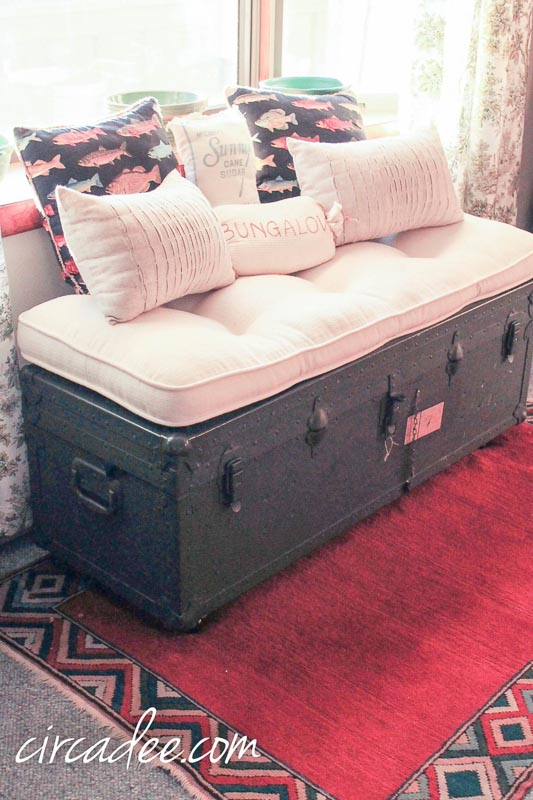 50 DIY Ottomans and DIY Poufs | Military Ammo Chest turned ottoman Circadee