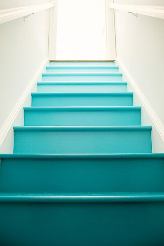 Ombre Teal Painted Stairs | Mommy Shorts